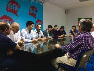 Reunión de la Asociación Provincial de Industriales de la Madera (APIMAD), a la que ha asistido el parlamentario García Longoria