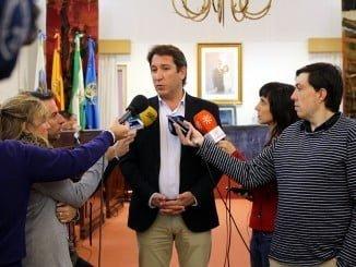 Ruperto Gallardo explica las mociones que su grupo llevará al Pleno de la Diputación