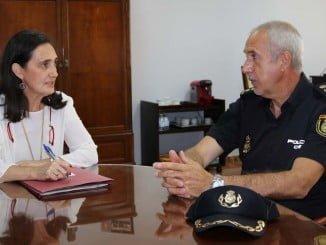 La subdelegada del Gobierno, Asunción Grávalos, y el el comisario jefe, Florentino Marín