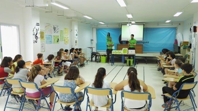 Taller sobre sostenibilidad medioambiental en el Colegio Pura Domínguez, de Aljaraque