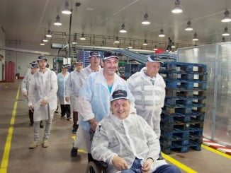 Durante la visita de los miembros de AFEME a las instalaciones de Cuna de Platero,