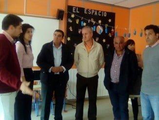 El delegado de Educación ha visitado el colegio  junto al alcalde de Rosal de la Frontera