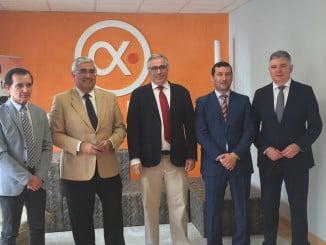 El consejero de Economía con representantes de la empresa Professional Media Technologies