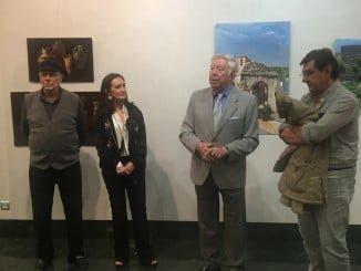 Alfonso Aramburu, Asunción Grávalos y José Luis García Palacios en la inauguración de la exposición