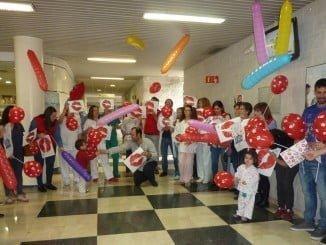 Los niños hospitalizados del Juan Ramón Jiménez han disfrutado de una jornada muy amena