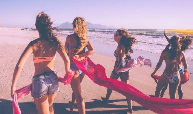 Las españolas prefieren el bikini al bañador