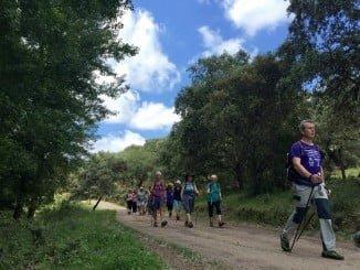 El grupo de británicos que ha pasado sus vacaciones en Huelva disfrutando del Nordic Walking