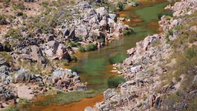 Los ecologistas denuncian que las aguas ácidas han ido a parar a la cuenca del río Odiel