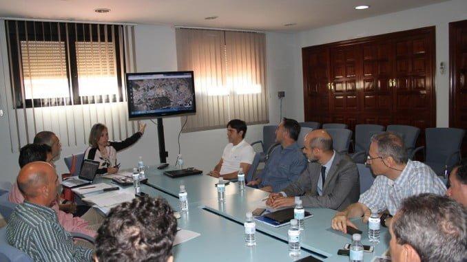 La diputada Laura Martín se ha reunido con Adif y los alcaldes de los municipios afectados