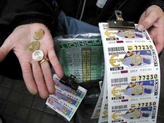 Dos vendedores de la Once han repartido suerte a 13 vecinos de Huelva