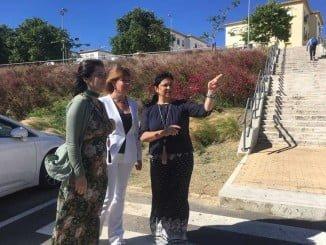Miranda, Sacristán y Carrillo en la parcela para el centro de salud de Isla Chica