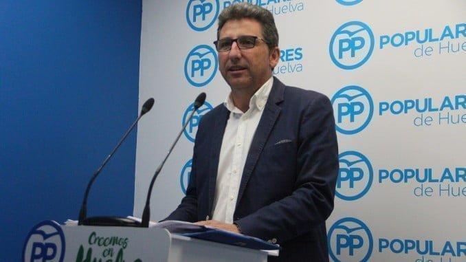 El portavoz del Partido Popular en el Ayuntamiento de Moguer, Álvaro Burgos