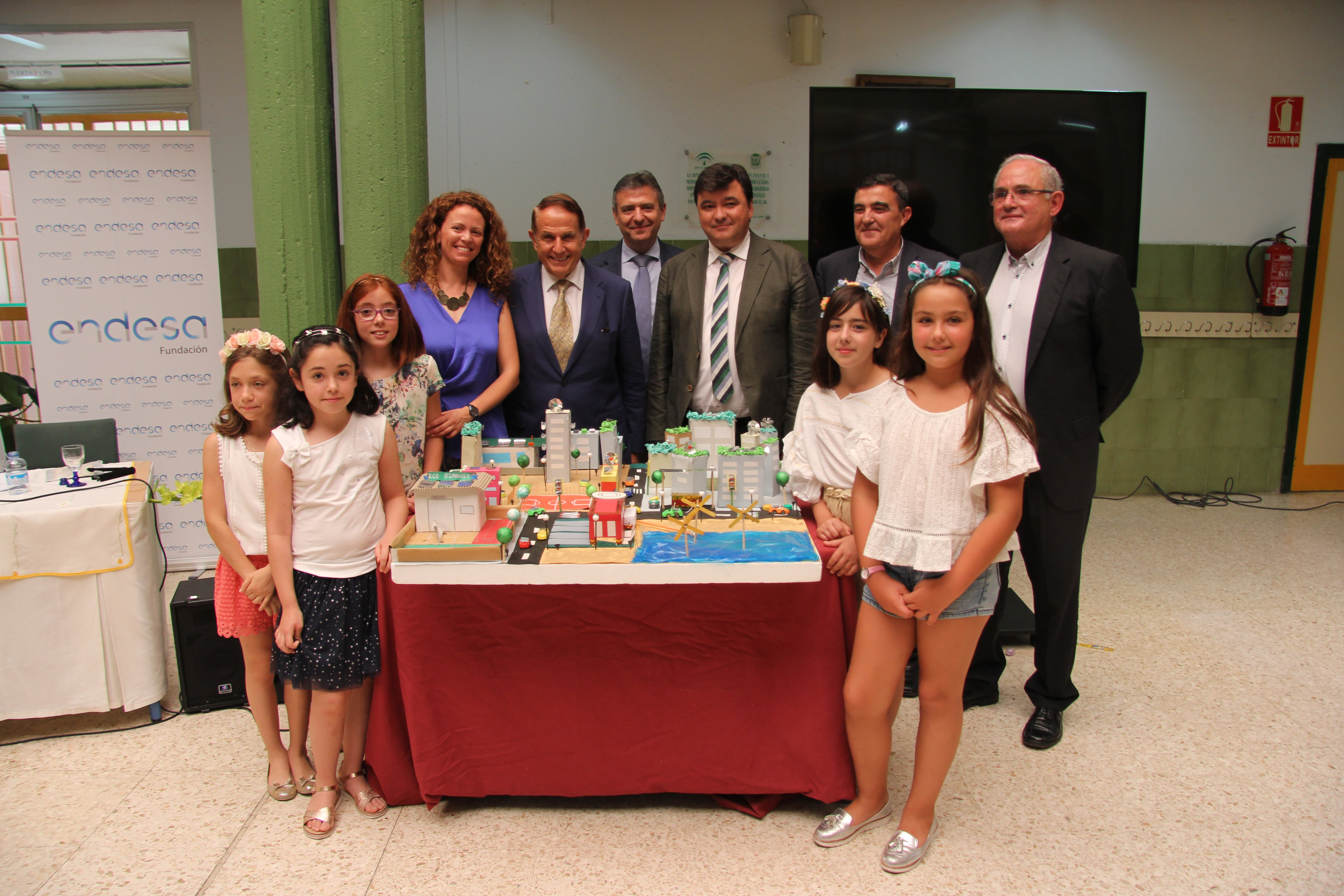 Las alumnas del Colegio García Lorca han sido merecedoras del primer premio nacional del concurso convocado por Endesa.