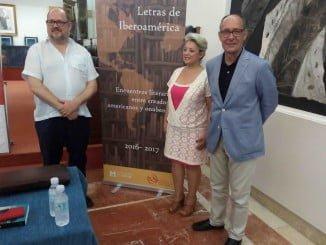 José Juan Díaz Trillo diálogo con el escritor Pablo Raphael.