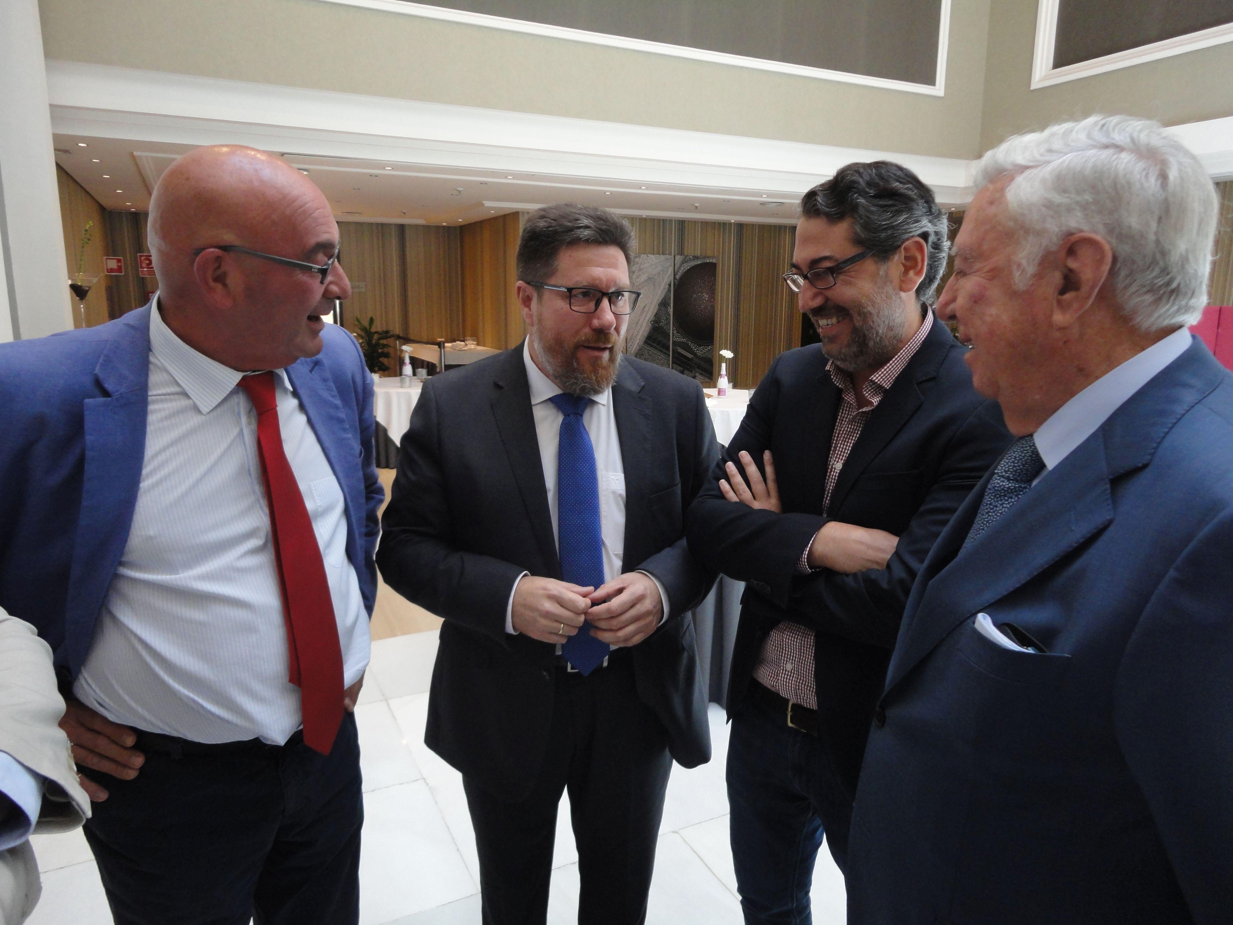 Leal Rubio, presidente; Sánchez Haro, consejero de Agricultura; Benítez Fernández, delegado de Agricultura ; y García Palacios, presidente de Fundación Caja Rural del Sur.