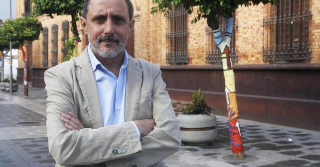 Domingo Domínguez deja la alcaldía de Nerva para ser director general de Innovación en la Consejería de Educación.