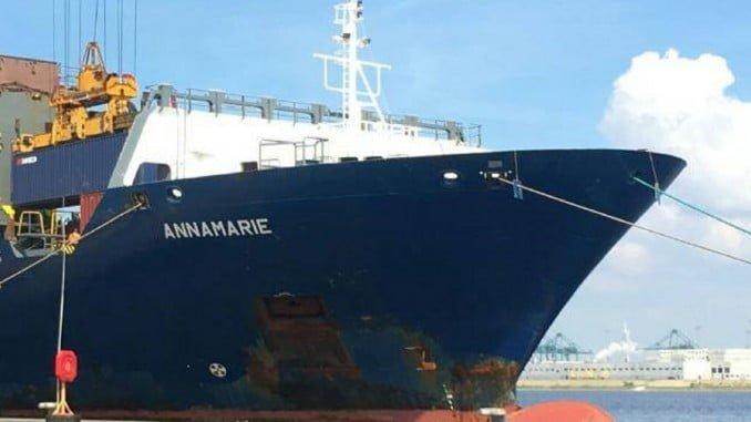 El buque Annamarie es la primera vez que opera en la línea Huelva con Canarias.
