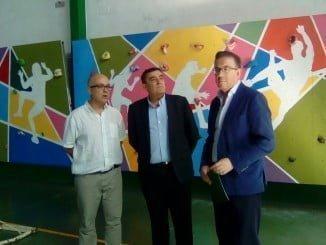 El delegado de Educación, junto al alcalde de Aracena, ha visitado el IES San Blas
