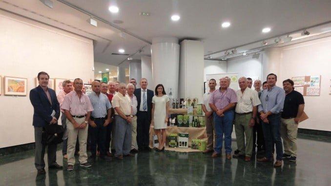 Miembros del Consejo Rector y representantes sectoriales de Cooperativas Agro-Alimentarias de Huelva