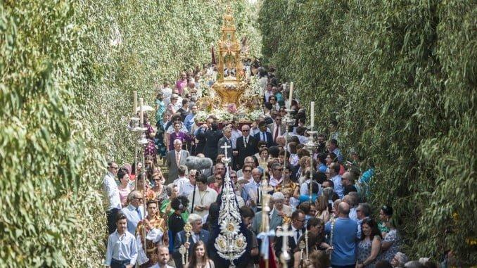 El Corpus en Hinojos constituye un ritual festivo que trasciende del ámbito religioso