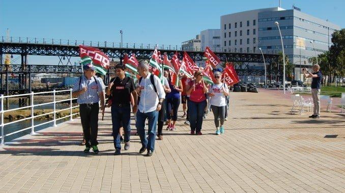 Marcha reivindicativa de CC OO en el Día Mundial del Medio Ambiente junto al muelle del Tinto