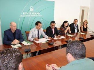 El director general de Comercio y el Delegado de Economía han entregado las ayudas al sector comercial