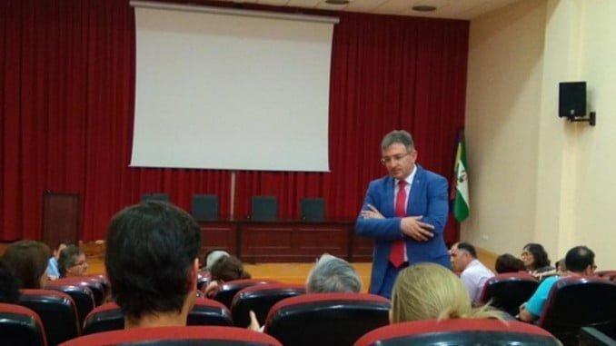 Francisco Ruiz con miembros del Comité de Empresa del PDI