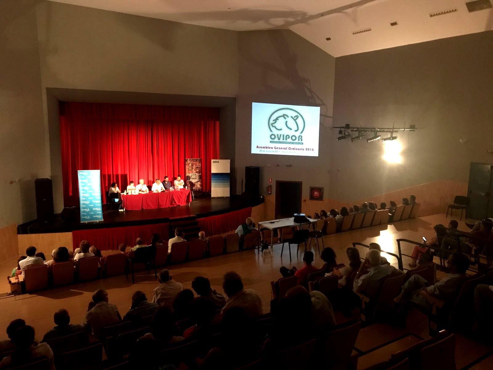 Imagen general de la asamblea celebrada en Zalamea la Real