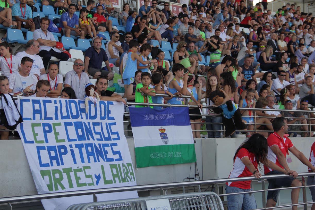 El público disfrutó en las gradas del Estadio Iberoamericano Emilio Marttín