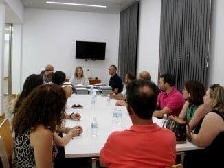 Reunión con los representantes de los 11 municipios a los que la Diputación ha hecho entrega de 18 proyectos