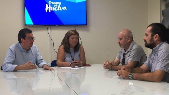 González y Céspedes se reúnen con representantes de interinos de los conservatorios onubenses