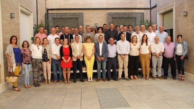 El presidente de la Diputación junto a responsables de 65 municipios de la provincia