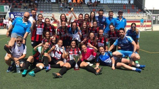 El Fundación Cajasol Sporting con la Copa de Andalucía que conquista por tercer año consecutivo