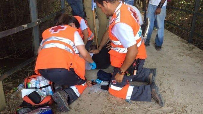 Los servicios sanitarios atienden a una persona en la aldea almonteña