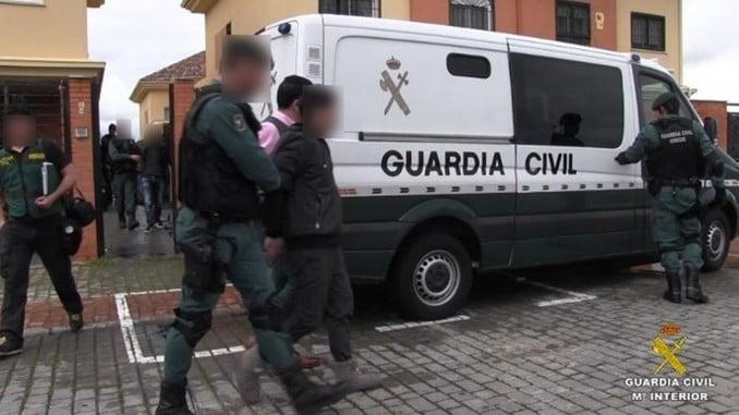 Imagen de una detención efectuada por la Guardia Civil
