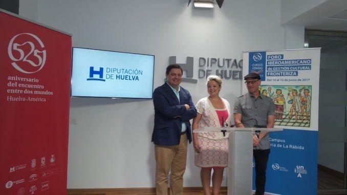 Lourdes Garrido junto a Agustín Galán y Rafael Morales en la presentación del Foro de Gestión Cultural