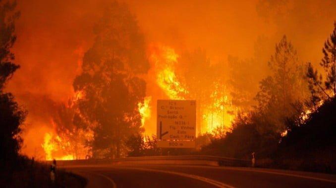 El incendio se ha convertido ya en una de las mayores tragedias de la historia reciente del país luso