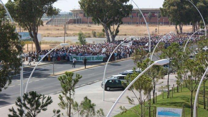 Miles de agricultores se manifestaron el martes en Huelva pidiendo agua y tierras