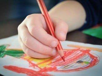 Es conveniente combinar las vacaciones de los niños con ejercicios para reforzar su aprendizaje