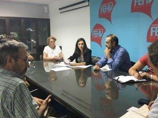 Representantes del sector del mueble de madera trasladaron sus inquietudes durante el encuentro mantenido con la parlamentaria andaluza María Márquez