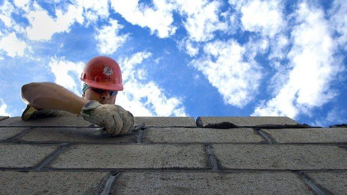 La jornada intensiva en la construcción está motivada por las altas temperaturas en verano