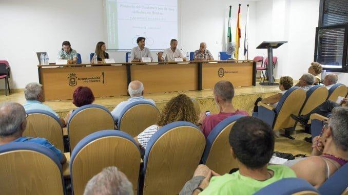 Reunión en la jefatura del la Policía Local para estudiar la ampliación del carril bici en Huelva