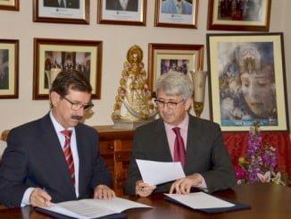 La Fundación Cepsa renueva su compromiso con la Hermandad del Rocío. de Huelva.