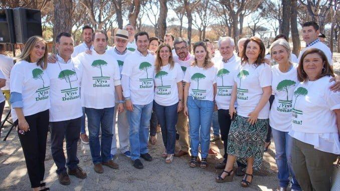 Visita de Juanma Moreno a la zona afectada por los incendios para hacer una declaración del PP Andalucía sobre Doñana.