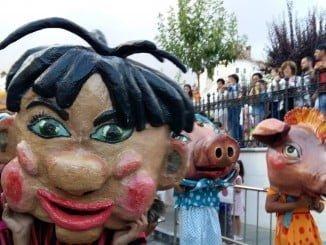 La iniciativa 'El centro en fiestas' ha sido muy bien acogida en Aracena.
