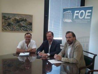Reunión del nuevo director general del Juan Ramón Jiménez con directivos de la FOE.