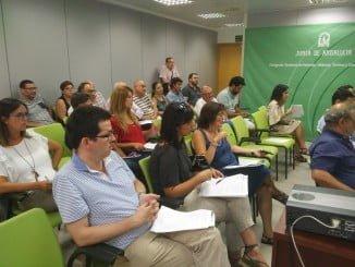 El COAF de Huelva informa a las Comunidades de Vecinos de las ayudas de rehabilitación de viviendas.