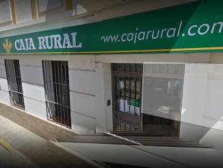 Fachada de la oficina de Caja Rural del Sur en Zalamea.