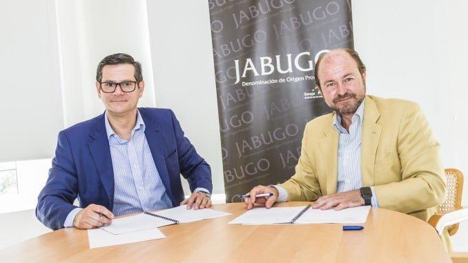 Juan Gutiérrez Ruiz, jefe del Área de Andalucía de Viajes El Corte Inglés, y Guillermo García-Palacios, presidente de la DOP Jabugo.