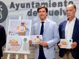 Campaña del Ayuntamiento con los comerciantes de Huelva para concienciar a los consumidores del riesgo de la venta ambulante ilegal